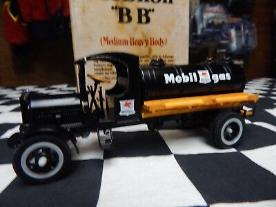 1931 Kenworth Mobil Oil Gas Truck / Collector Series 1:43 Scale