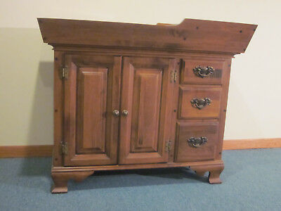 Maple Dry Sink - Colonial Style