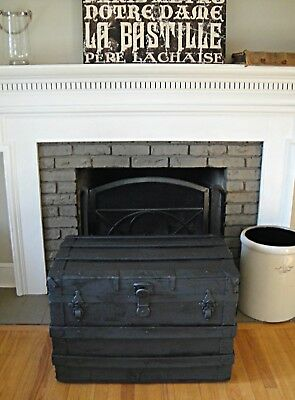 Black Night Steamer Trunk Flat Top Steamer Trunk Storage Trunk Coffee Table