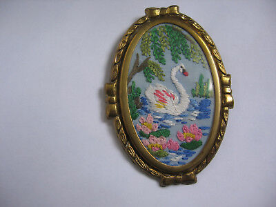 VINTAGE 1940's HAND EMBROIDERED PICTURE BROOCH IN OVAL METAL FRAME