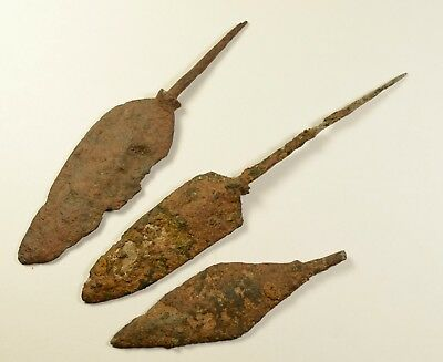 INTERESTING LOT OF 3 - ANCIENT ROMAN BATTLE IRON ARROW ARROWHEAD - c. 300-400 AD