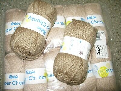 Robin Super Chunky 7 x Shade 35 Oatmeal plus 2x shade 142 Latte