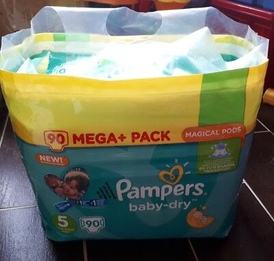 Couches Pampers Taille 5 minimum 85 couches