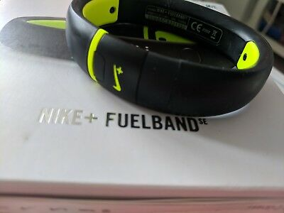 Nike fuelband boxed size M/L Activity Tracker