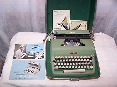 1956, Royal Quiet Deluxe green typewriter, All Original, Excellent Condition !!