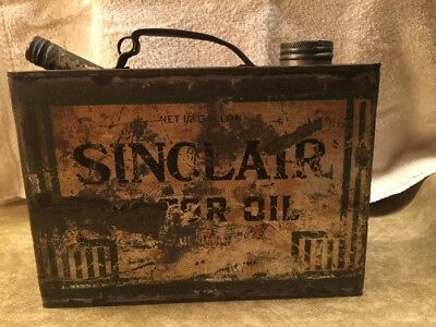 1920's Vintage Sinclair Half Gallon Motor Oil Can With Both Lids