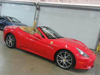Ferrari California 2dr Convertible PRISITNE ALL SERVICES DONE 9.99 OUT OF 10 RED CONVERTIBLE NONSMOKER FLORIDA CAR