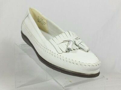 265be6296ac Dr Scholls Womens 9 M Tassel Loafers white Moccasin Air-pillo Insoles EUC  (D3