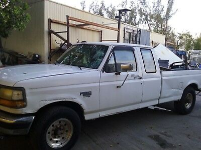 1997 Ford F-250  1997 F250 Super Duty Diesel Pickup truck runs good - $2500