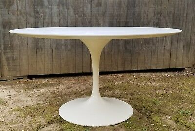 VINTAGE KNOLL INTERNATIONAL Saarinen Tulip Table Laminate White - Original saarinen tulip table
