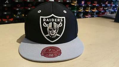 96a58501d73 Mitchell   Ness NFL Los Angeles Raiders Classic Team Logo 2 Tone Fitted Cap  Hat