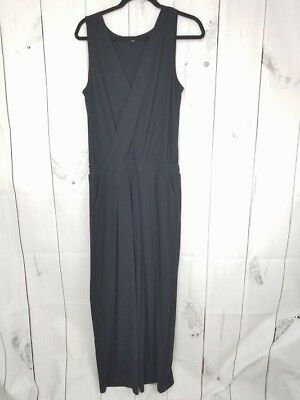 39e8f05d020 Womens Uniqlo Black V Neck Jumpsuit Romper w  Pockets Cropped Leg Sz L Large