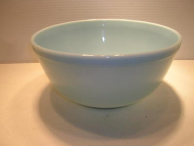 Vintage Pyrex 403 Bluebell Robins Egg Blue Mixing Bowl 2 1/2 Qt.