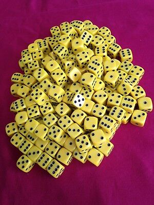 Bag of 200 Gaming Dice Yellow and Black (New)