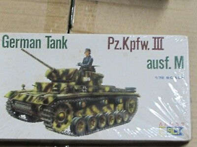 REVELL 1/35 WW II German Panzer III Ausf  M / N Model Tank