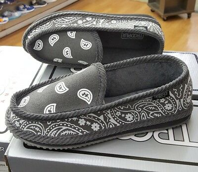 6710a991b8e8a TROOPER AMERICA BANDANA House Shoes Grey/white Men Us Sz 10