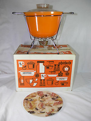 VINTAGE Crown Ovenware Casserole Bowl with Lid & Warming Stand NEW UNUSED RETRO