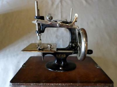 Vintage Mini/Child's 'Lead Machine, Foreign' Hand-Crank Sewing Machine