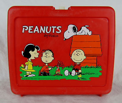 Vintage 1965 Peanuts Red Lunchbox Missing Thermos by Schulz Used Good Condition