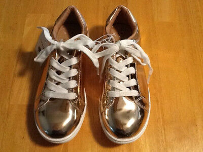 Cat & Jack Girls Gold Sneakers Size 4 NEW