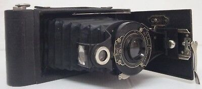 Eastman Kodak: No 2A Folding Cartridge Hawk-Eye Model B Camera
