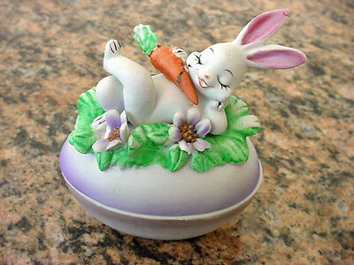 vTg Bunny Rabitt Trinket Jewelry Ring Box Candy Dish Flower Porcelain Bisque