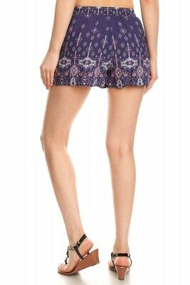 WOMENS PRINTED SHORTS WITH FRONT SASH TIE > (Lot of 30 Shorts)