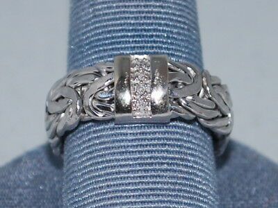 14k White Gold ring with a  byzantine style