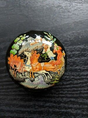 """Russian Lacquer box Palekh """"Troika"""" Hand Painted signed by Lihmanova artist"""