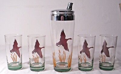 DUCK HUNTING 5 PIECE CLEAR GLASS COCKTAIL SHAKER SET 1960s