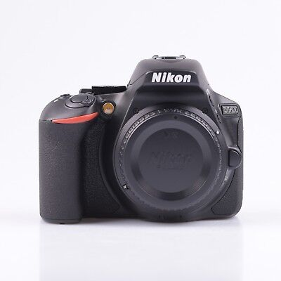 Neuf Nikon D5600 Dslr Camera + Af-P Dx Nikkor 18-55Mm F/3.5-5.6G Vr Noir Black