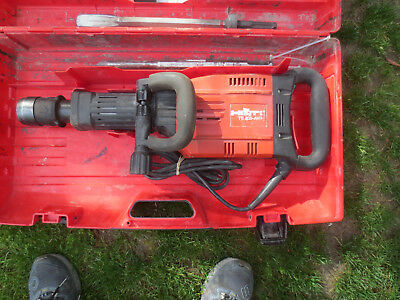 Hilti te905-AVR Breaker Hammer Electric Demolition/bits Drill Demo great conditi