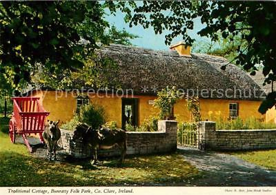 72714418 Irland Clare Traditional Cottage Bunratty Folk Park Irland