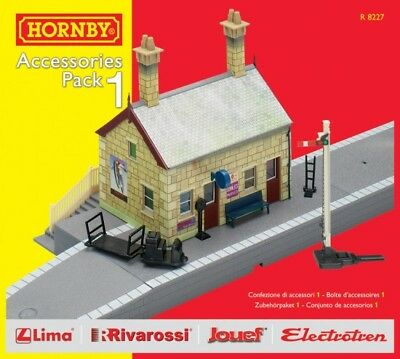 Hornby Oo R8227 Accessories Pack 1 Station & Platform Hrr8227