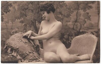 1910 Original French Real Photo PC Nude Girl Attractive Delicate Beauty
