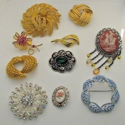 Job lot of 10 Vintage Brooches / Pins inc Cameo Style, Rhinestone, Gold Tone etc