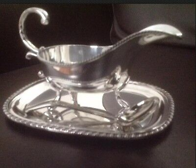 Vintage Viners of Sheffield Silver Plate Sauce Boat, Tray & Ladle (gravy, spoon)