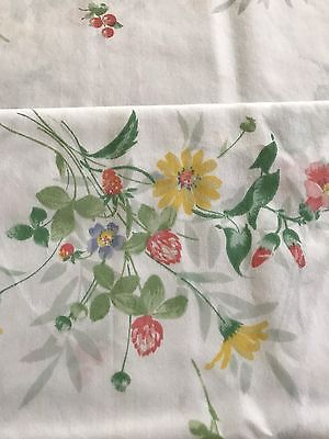 Lovely Pair of vintage Springmaid Floral Pillowcases . Standard size