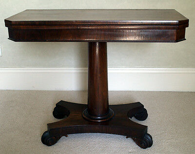 Fine Georgian folding card table in rosewood and mahogany.