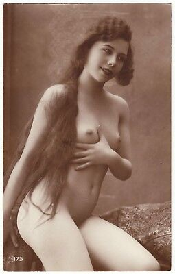 1910 Original French Real Photo PC Nude Voluptuous Girl Beauty Lingerie