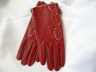 Retro 1970s vintage burgundy leather ladies driving gloves size M unworn