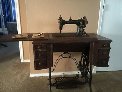 antique sewing machine -1909 In Working Condition