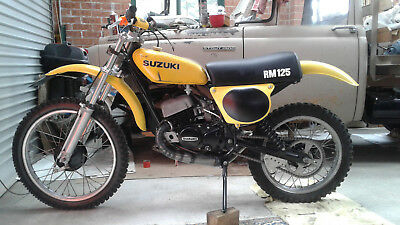 suzuki RM 125 1975 S. Museum masterpiece with original sprockets NOW ON YOU TUBE