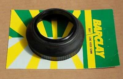Lens hood 49mm screw fit , rubber collapsible for 50mm lens .Unused .