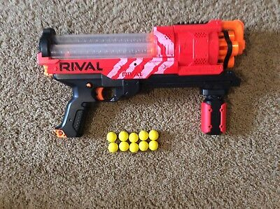 Nerf Rival Artemis XVII-3000 Team Red, with 10 balls, preowned