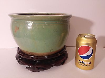 Chinese Large Green Celadon Pot/Bowl & Dated to Late 18th to Early 19th Century