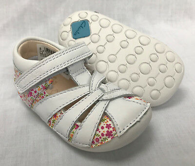 BNIB Clarks Girl Little Mae White Combi Leather Cruising First Shoes E/F/G/H