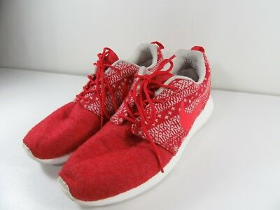 87768a98bedd WOMENS NIKE ROSHE One Winter Red White Christmas 685286 661 Size 9 ...