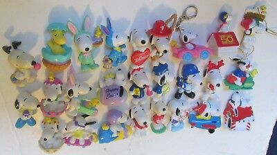 Huge lot of 26 Peanuts SNOOPY PVC figure toys Xmas Easter Valentine's Day