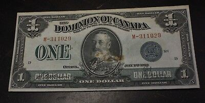 1923 $1 Dominion of Canada DC-25d Group 1 serie M McCavour Saunders